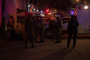 Ném bom xăng vào quán bar, 23 người thiệt mạng