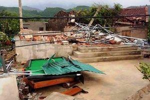 Hà Tĩnh: Lốc xoáy đã làm hơn 40 ngôi nhà bị sập và tốc mái