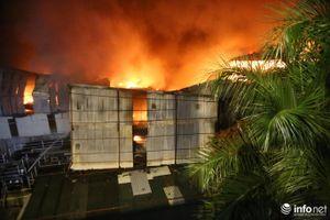 Xuyên đêm chống 'giặc lửa' tại Nhà máy phích nước Rạng Đông