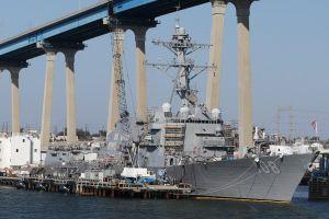 Chiến hạm Mỹ áp sát bãi đá Chữ Thập và Vành Khăn, Trung Quốc phản ứng mạnh
