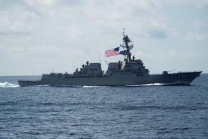 Tàu chiến Mỹ áp sát các đảo Trung Quốc chiếm đóng phi pháp ở Biển Đông