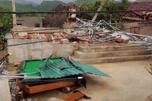 Lốc kinh hoàng khiến 41 ngôi nhà ở Hà Tĩnh bị tốc mái