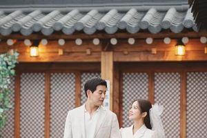'VIP': Jang Nara và 'anh chồng quốc dân' Lee Sang Yoon tung ảnh cưới đẹp như mơ