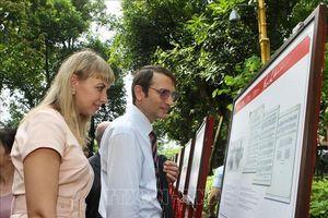 Khai mạc triển lãm về Bác Hồ với hơn 100 tư liệu từ 4 quốc gia