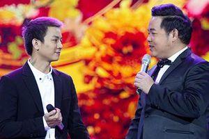 Quang Lê song ca cùng 'ông bố hai con' Hoài Lâm trên sân khấu Hà Nội