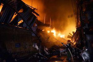 Bóng đèn Phích nước Rạng Đông (RAL): Cháy nhà kho ước thiệt hại 150 tỷ đồng