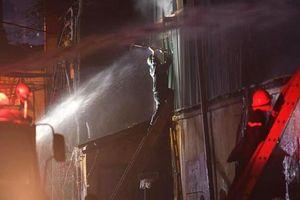 Cảnh sát phòng cháy, chữa cháy nói về thông tin 'đi kiểm tra sức khỏe sau vụ cháy tại công ty bóng đèn Rạng Đông'