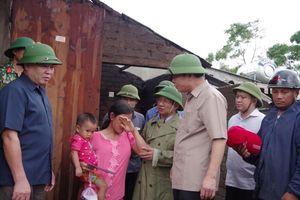 Bộ trưởng Nguyễn Xuân Cường kiểm tra công tác khắc phục hậu quả lốc xoáy tại Hà Tĩnh