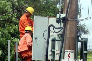 Hà Tĩnh khắc phục sự cố hệ thống lưới điện bị ảnh hưởng bởi bão số 4