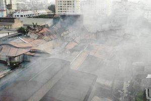 Vụ cháy Công ty Rạng Đông: Thu hồi văn bản khuyến cáo không ăn thực phẩm trong bán kính 1 km
