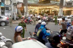 Xác định nguyên nhân nhóm đối tượng rượt chém người đàn ông gần đứt lìa cánh tay ở Sài Gòn