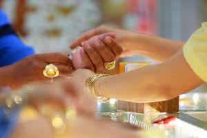 Vàng 9999, vàng SJC tiếp tục chuỗi ngày giảm giá
