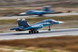 Thót tim đội hình chiến cơ Nga hạ cánh xuống... cao tốc