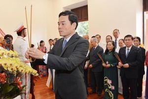 Lãnh đạo TPHCM dâng hương tưởng niệm Chủ tịch Hồ Chí Minh