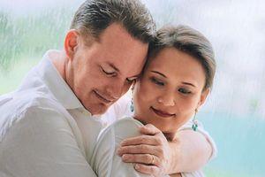 Chồng cũ Hồng Nhung sắp đón con đầu lòng với vợ người Myanmar