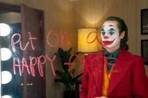 Phim về hề xiếc điên loạn Joker sớm được gọi là kiệt tác
