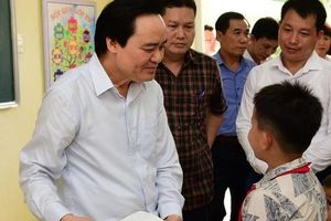 Bộ Giáo dục - Đào tạo hứa khắc phục chuyện tựu trường rồi mới khai giảng