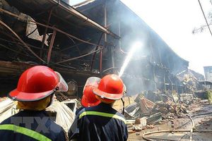 Loạn thông tin cảnh báo an toàn sau vụ cháy nhà máy Rạng Đông