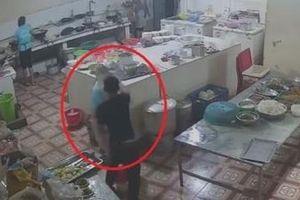 Hai đối tượng tạt axít nữ phụ bếp đã sa lưới