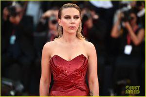 Scarlett Johansson đọ sắc cùng dàn mỹ nhân Hollywood tại LHP Venice