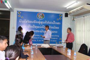 Lào: Bàn giao 9 nạn nhân trong vụ án buôn bán người cho Việt Nam