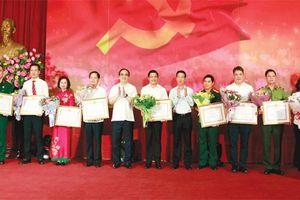 Hà Nội học tập và làm theo di huấn của Chủ tịch Hồ Chí Minh: Đoàn kết, thống nhất, xây dựng Đảng vững mạnh