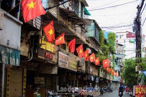 Đường phố Hà Nội rực rỡ cờ hoa mừng ngày Quốc khánh