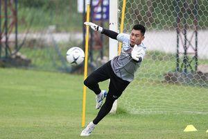 Các thủ môn ĐT Việt Nam nghiên cứu kỹ cách 'Messi Thái' Chanathip đá phạt