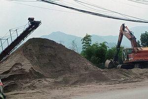 Cần xử lý dứt điểm các bãi cát, sỏi sai quy định ở hai bờ sông Đà