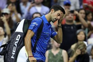 Đau vai, Novak Djokovic bỏ cuộc ở vòng 4 Mỹ mở rộng 2019