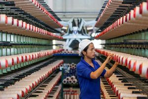 Sản xuất Trung Quốc suy yếu thêm do các biện pháp thuế quan Mỹ