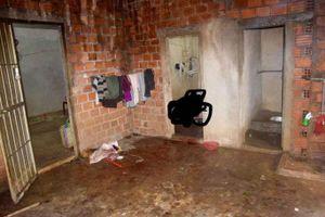 Điều tra vụ án vợ tử vong trong phòng tắm sau tiếng kêu, chồng nguy kịch dưới bếp