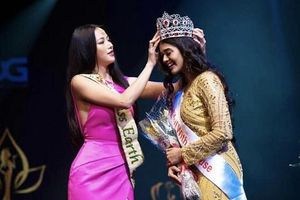 Phương Khánh bất ngờ được trao vương miện cho tân Hoa hậu Trái Đất Ấn Độ