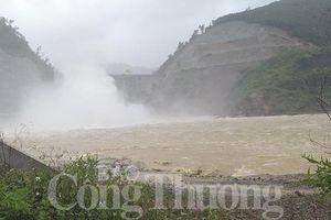Hà Tĩnh: Mưa lớn làm 8 xã của huyện Hương Khê bị chia cắt cục bộ