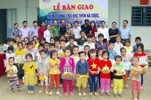 Thắp sáng ước mơ cho các em học sinh Trường Nà Coóc