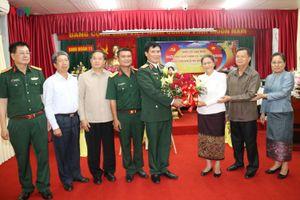 Chủ tịch Quốc hội Lào chúc mừng Binh đoàn 11 nhân dịp Quốc khánh