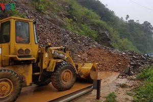 Đường Hồ Chí Minh qua Quảng Trị-Thừa Thiên Huế sạt lở, ngập lụt cục bộ