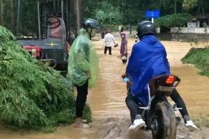 Hà Tĩnh mưa lớn, thủy điện Hố Hô xả lũ, nhiều nơi ngập