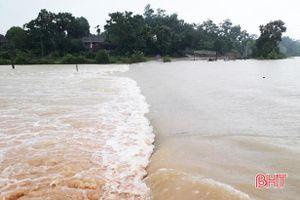 Miền Trung khẩn trương khắc phục thiệt hại do mưa lớn