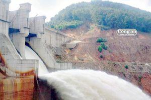 Thủy điện điều tiết nước sang Lào