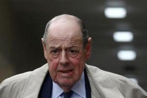 Cháu trai của Churchill sắp bị trục xuất khỏi đảng Bảo thủ Anh vì chống lại Thủ tướng