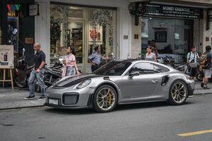 Ngắm siêu xe Porsche 911 GT2 RS tại Sài Gòn