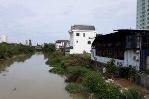 Nghệ An: Cấm dân cơi nới nhưng lại cho doanh nghiệp... lấn sông