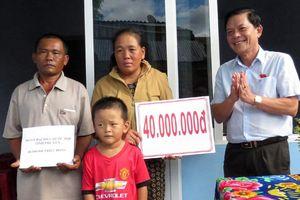 Đoàn đại biểu Quốc hội tỉnh Phú Yên: Trao 2 nhà Đại đoàn kết cho hộ nghèo huyện Tuy An