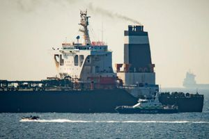 Đặc phái viên Mỹ dùng hàng triệu USD để mua chuộc thuyền trưởng siêu tàu dầu Iran?