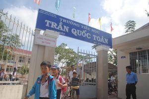 4 học sinh bị bạo hành ở Cà Mau được bàn giao cho cha mẹ