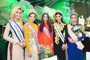 Hoa hậu Tiểu Vy khoe nhan sắc rực rỡ bên dàn Hoa hậu các nước Đông Nam Á