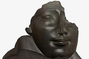 Nghiệt ngã lời nguyền khiến các bức tượng Ai Cập mất mũi