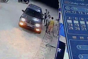 Tát cảnh sát giao thông bị phạt 2,5 triệu đồng: Có đủ tính răn đe?