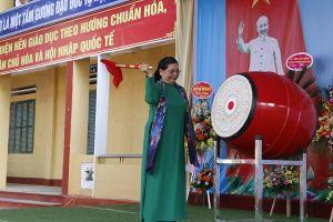 Phó Chủ tịch Quốc hội Tòng Thị Phóng dự lễ khai giảng tại Yên Bái
